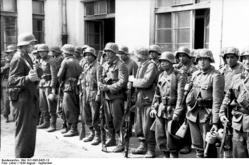 Солдаты батальона восточных добровольцев