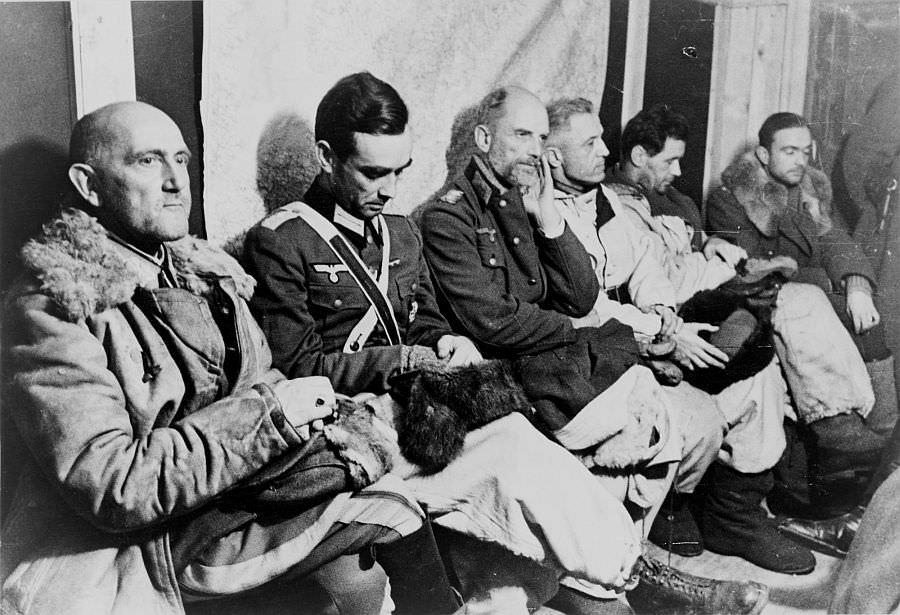 Пленные немецкие генералы в Сталинграде