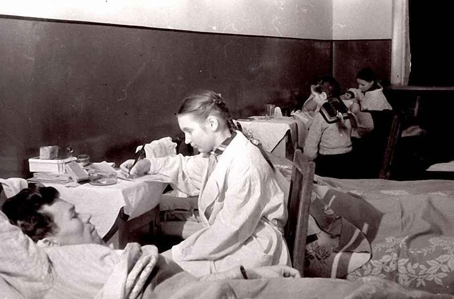 Дети в гостях у раненых