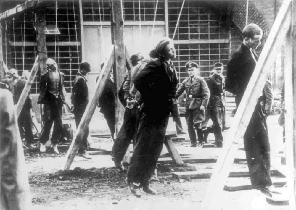 Казнь советских подневольных рабочих в концлагере