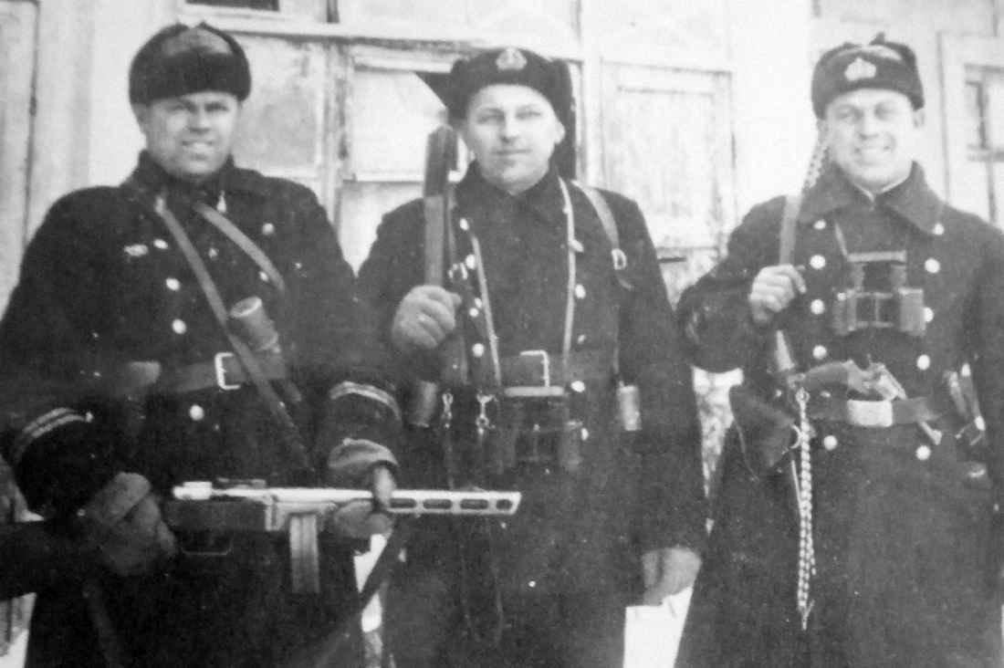 Офицеры штурмового отряда Феодосийского десанта
