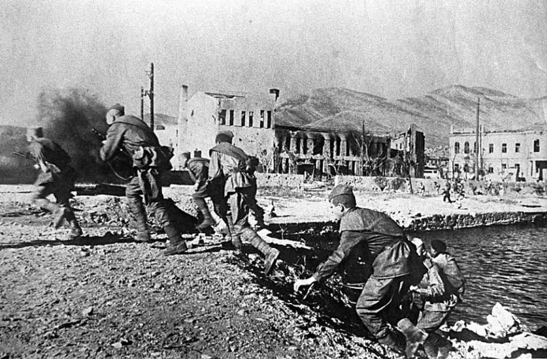 Советский десант на набережной Новороссийска