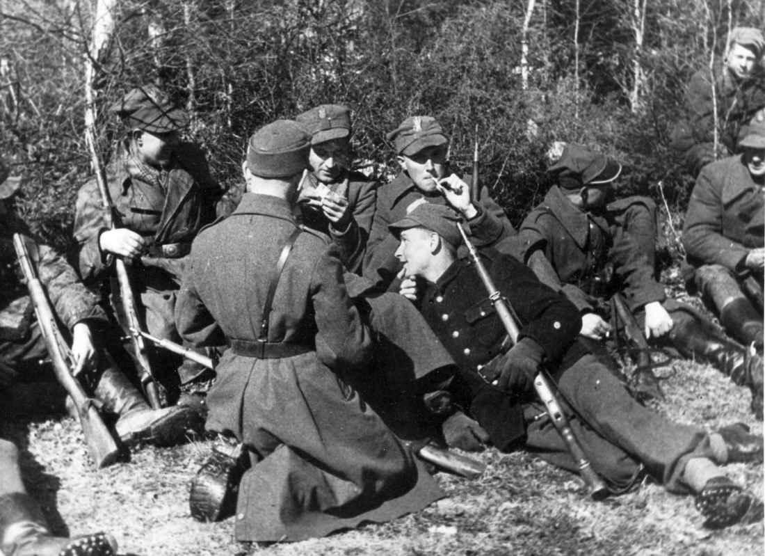 Бойцы Армии Крайовы на привале