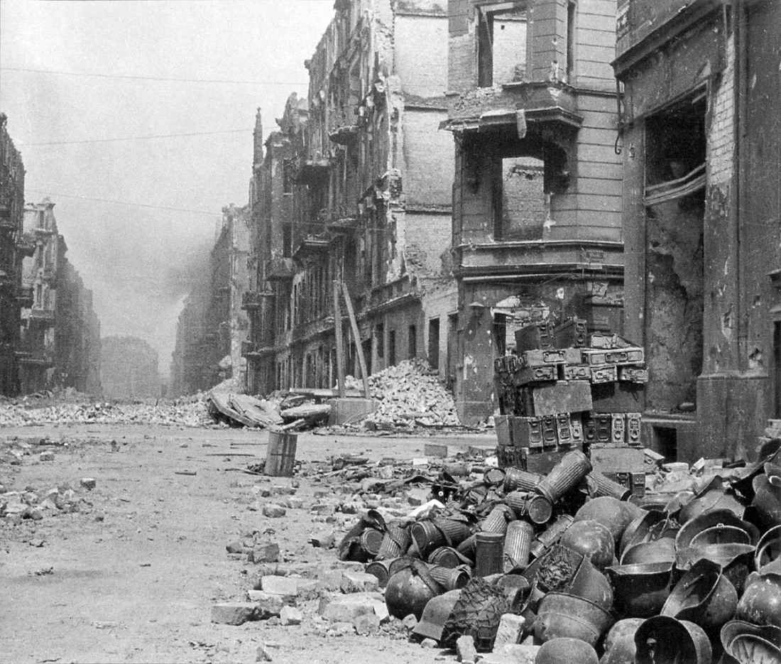 На улице Бреслау после капитуляции