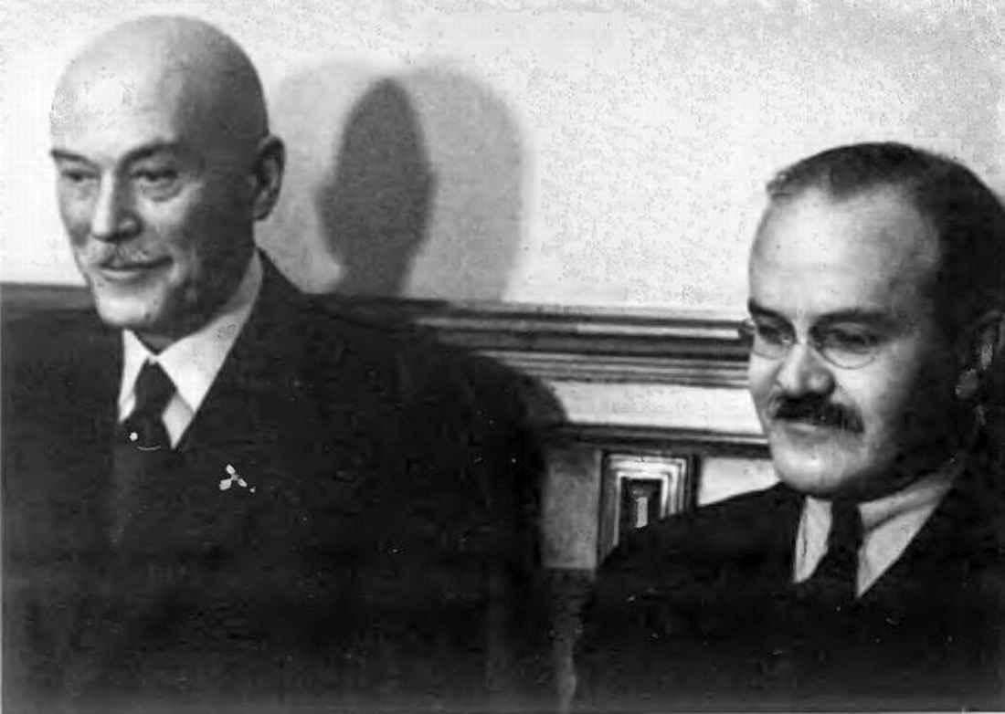 В. М. Молотов и Ф.В. фон Шуленбург