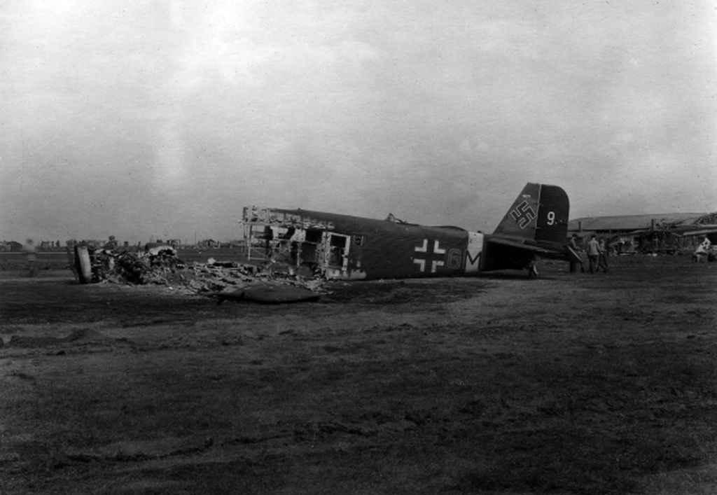 Аэродром Конотопа после авиаудара советской авиации