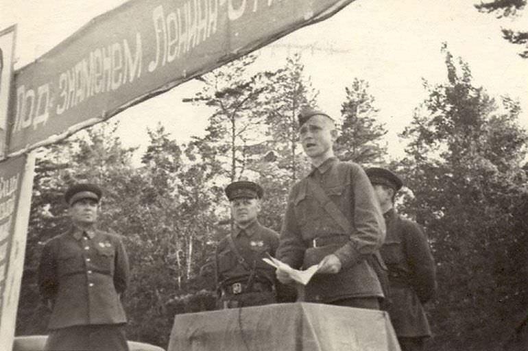 Клятва бойцов перед уходом на фронт