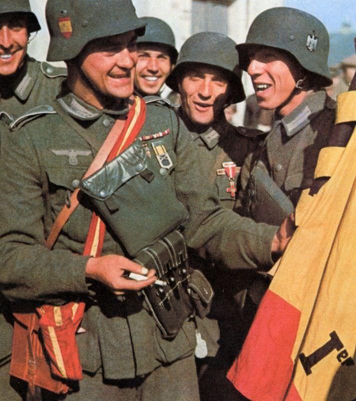 Испанские добровольцы из 250-й дивизии вермахта