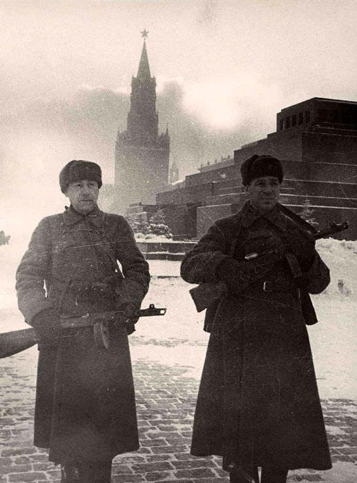 Военный патруль на Красной площади