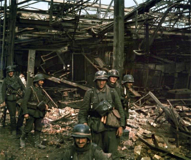 Немецкая штурмовая группа в Сталинграде