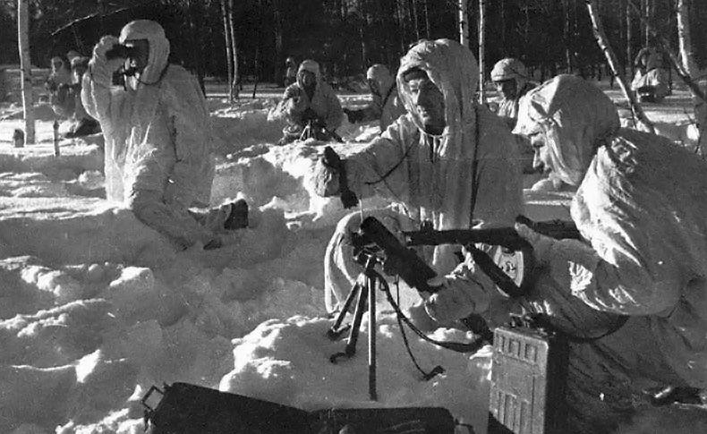 Минометчики-десантники на огневых позициях под Москвой
