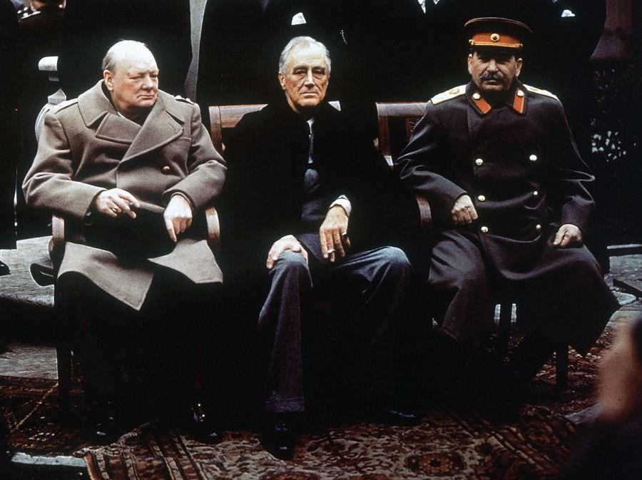Сталин, Рузвельт и Черчилль на ялтинской конференции