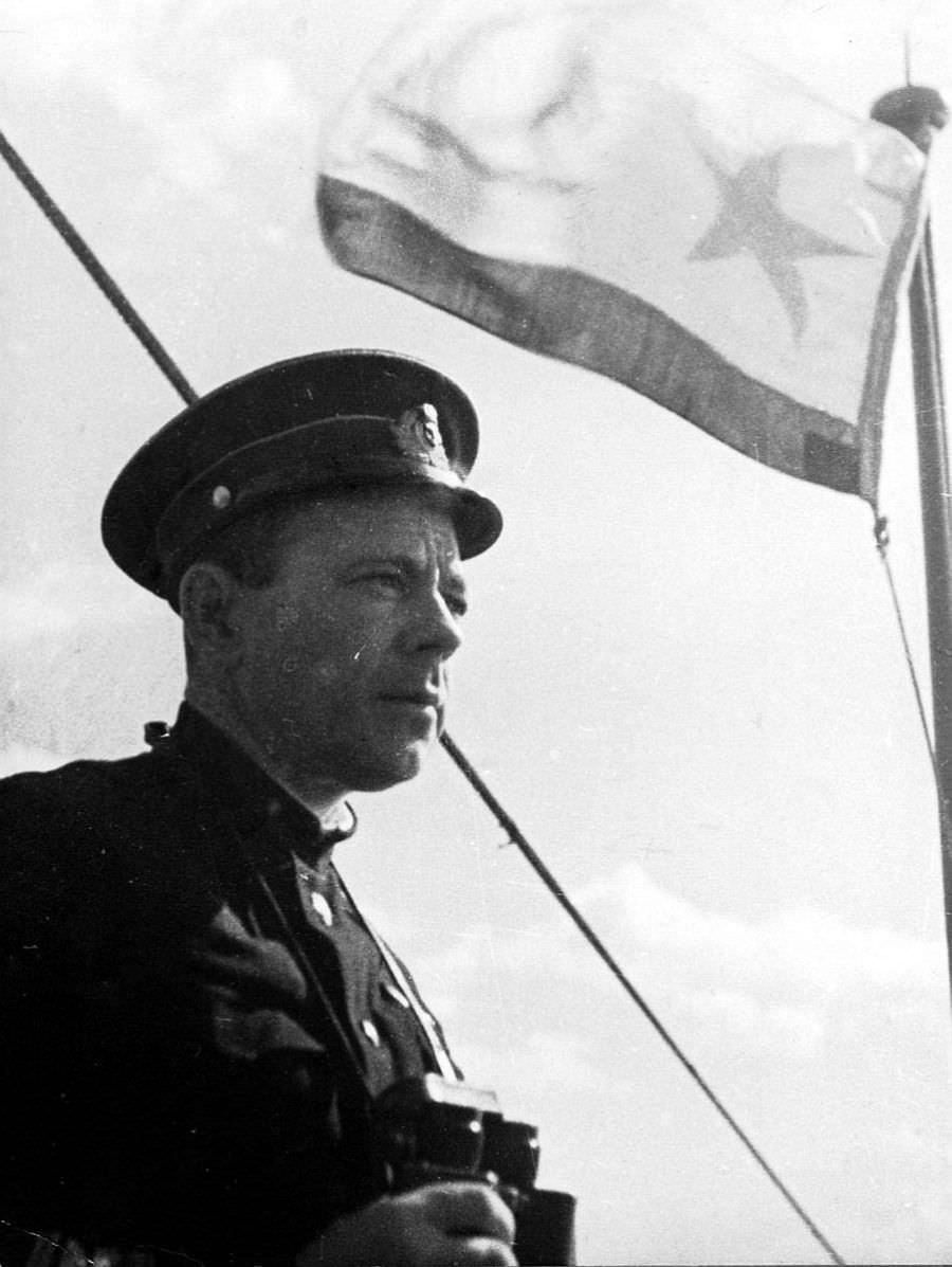 Командир подводной лодки Я.П. Афанасьев
