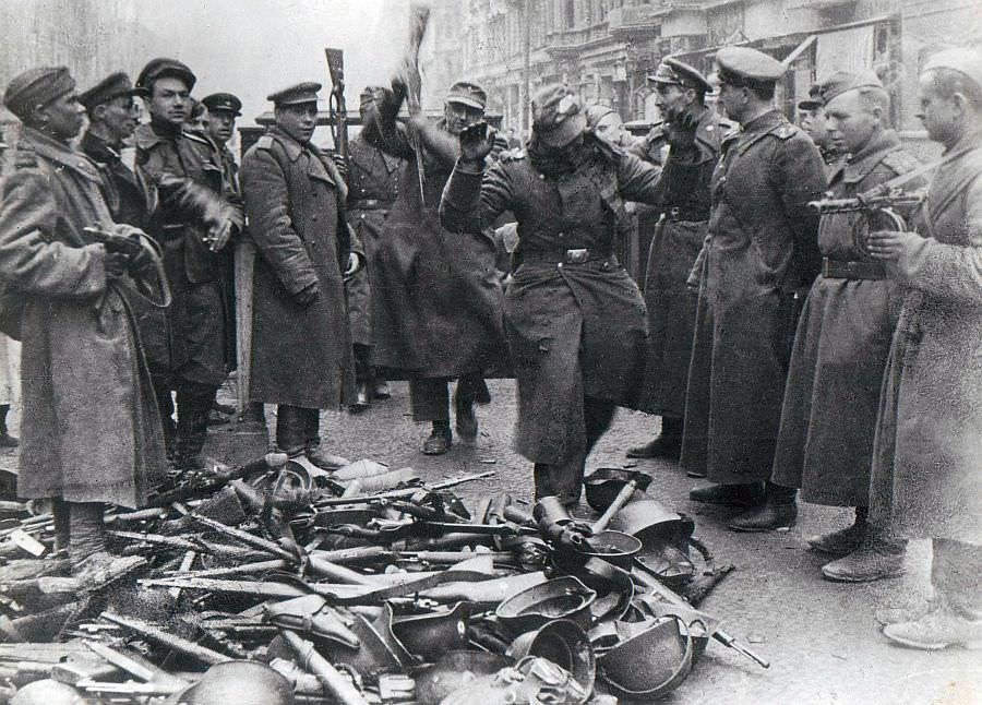 Сдача в плен немецких солдат