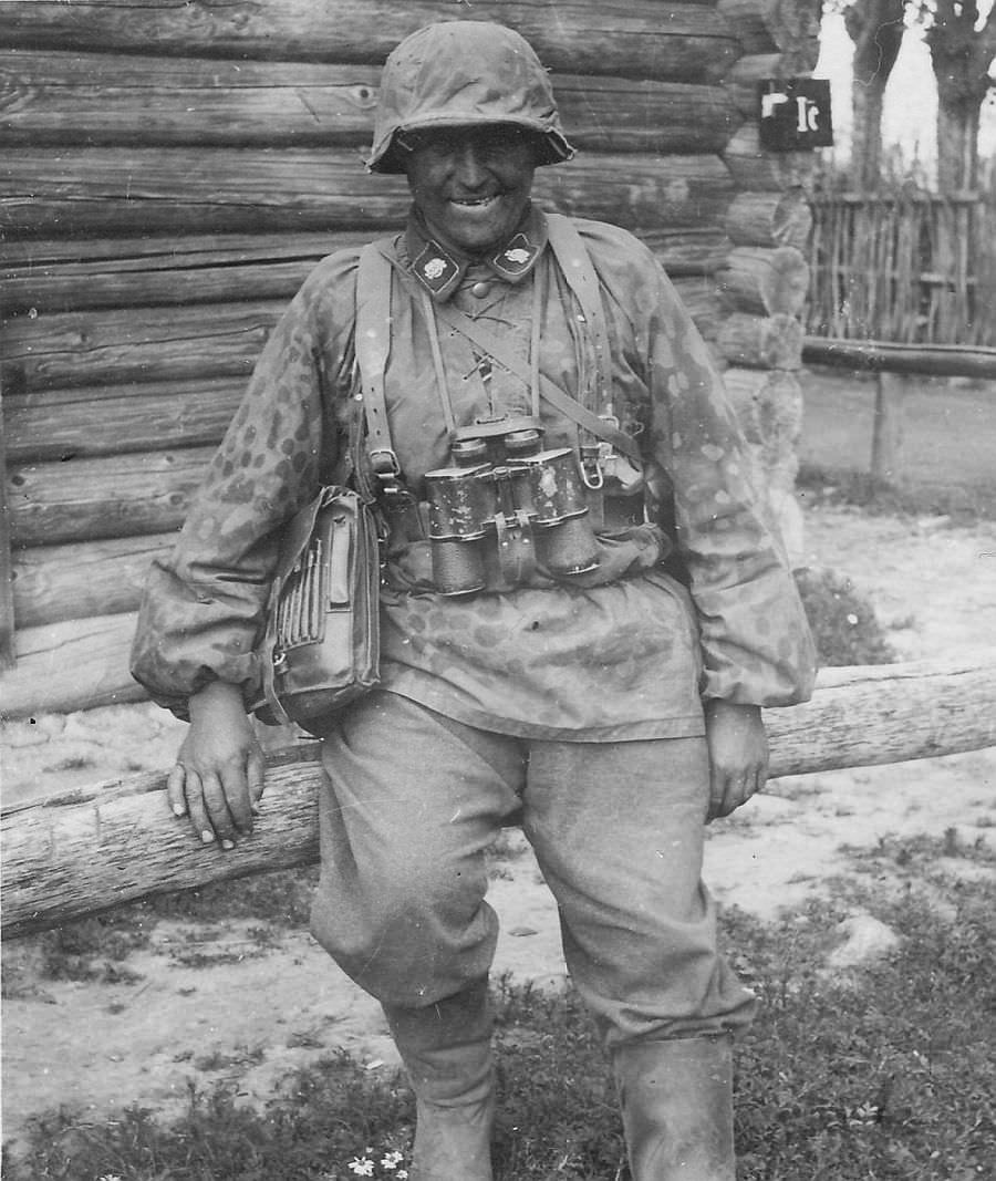 Младший офицер дивизии СС «Тотенкопф» летом 1941 года