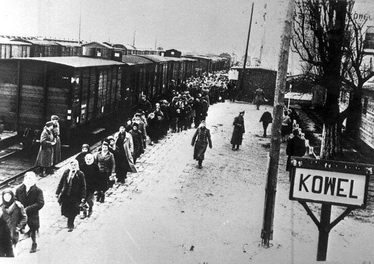 На станции Ковель перед отправкой в Германию