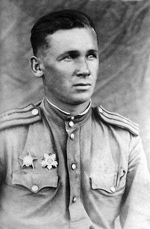 Попов Александр Дмитриевич