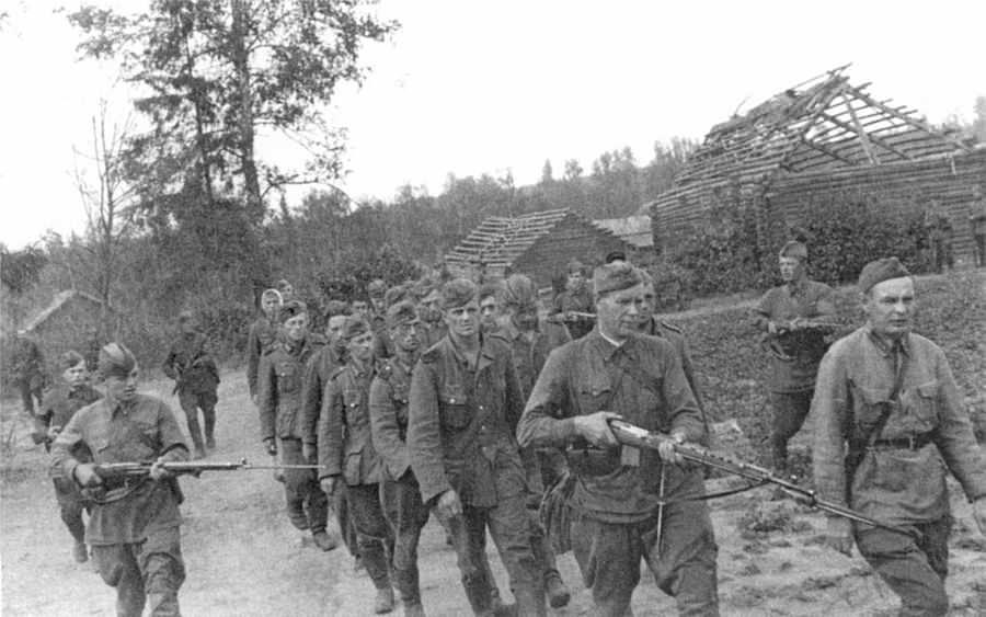 Немцы, захваченные в плен в июле 1941 года