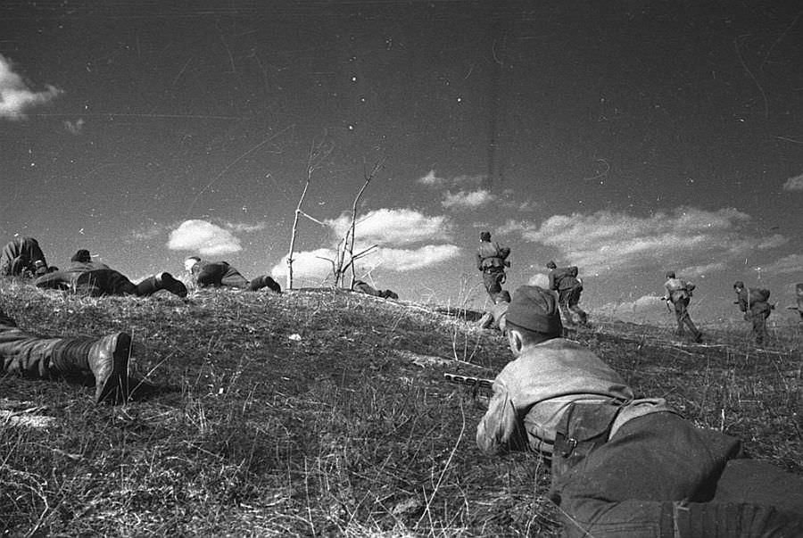 Советская пехота в бою