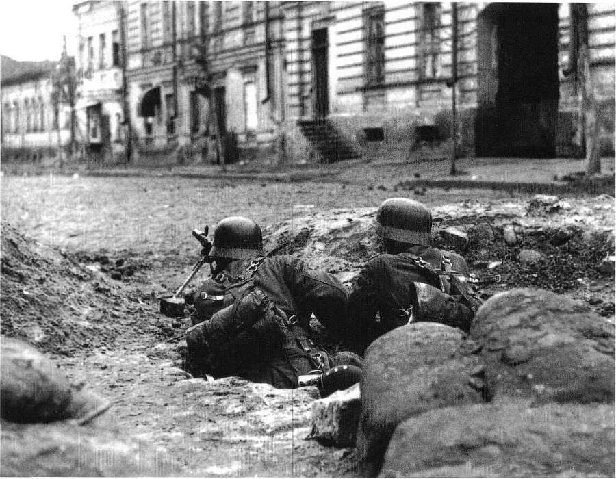 Немецкие пулеметчики в Харькове