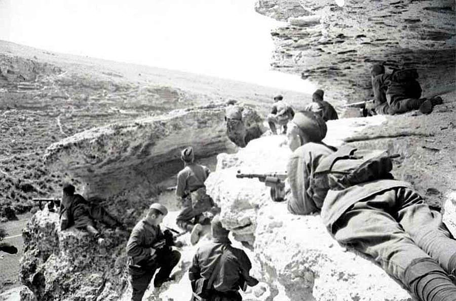 Разведчики морской пехоты в тылу врага