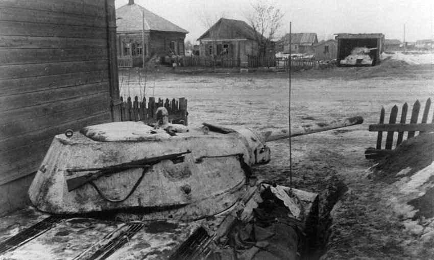 Спрятанные в засаде танки