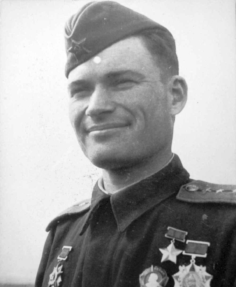 Герой Советского Союза капитан Н.М. Карабулин