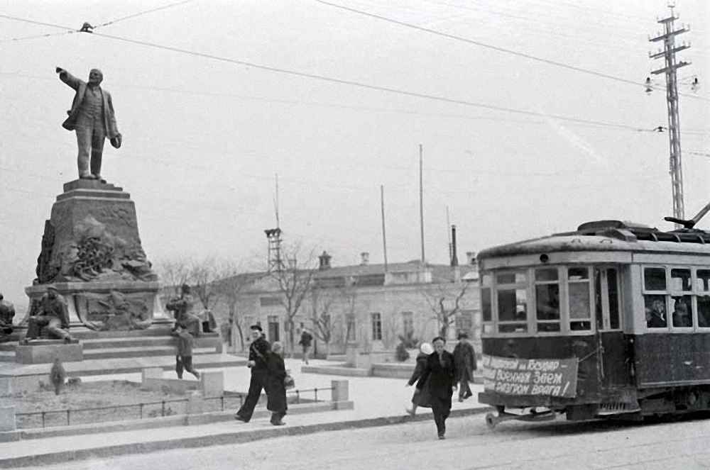 Севастополь в дни обороны