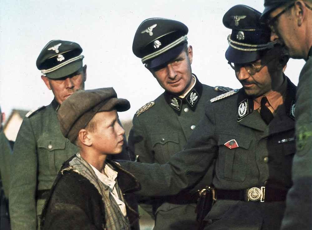 Генрих Гиммлер во время поездки по Белоруссии с инспекцией