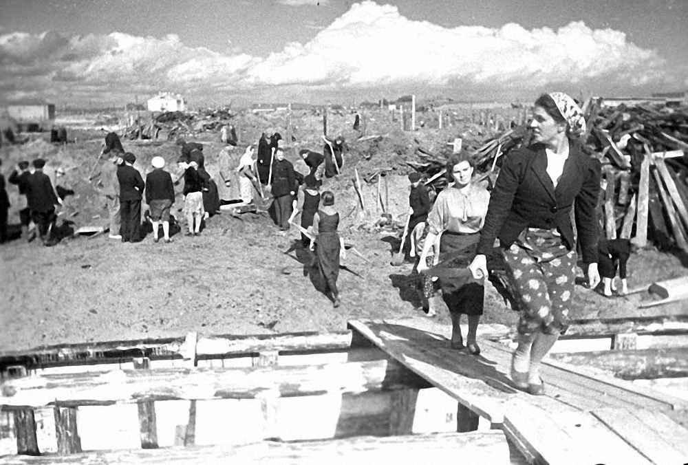 Строительство овощехранилища на Хорошевском шоссе в 1941 году