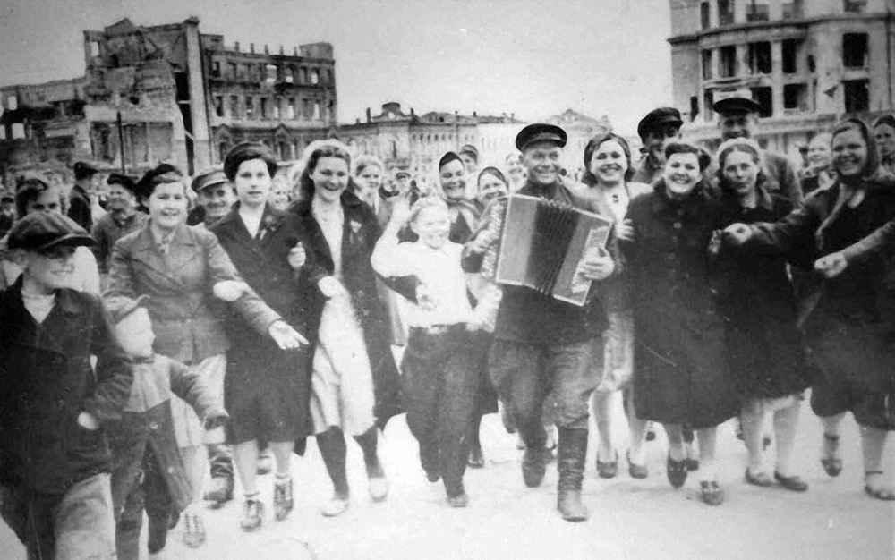 Годовщина Победы в г. Сталинграде