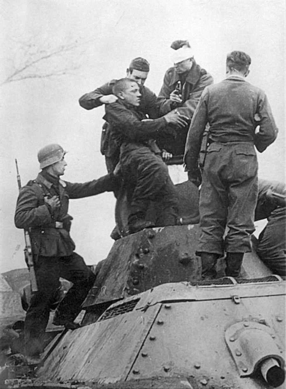 Захват в плен немцами экипажа советского танка