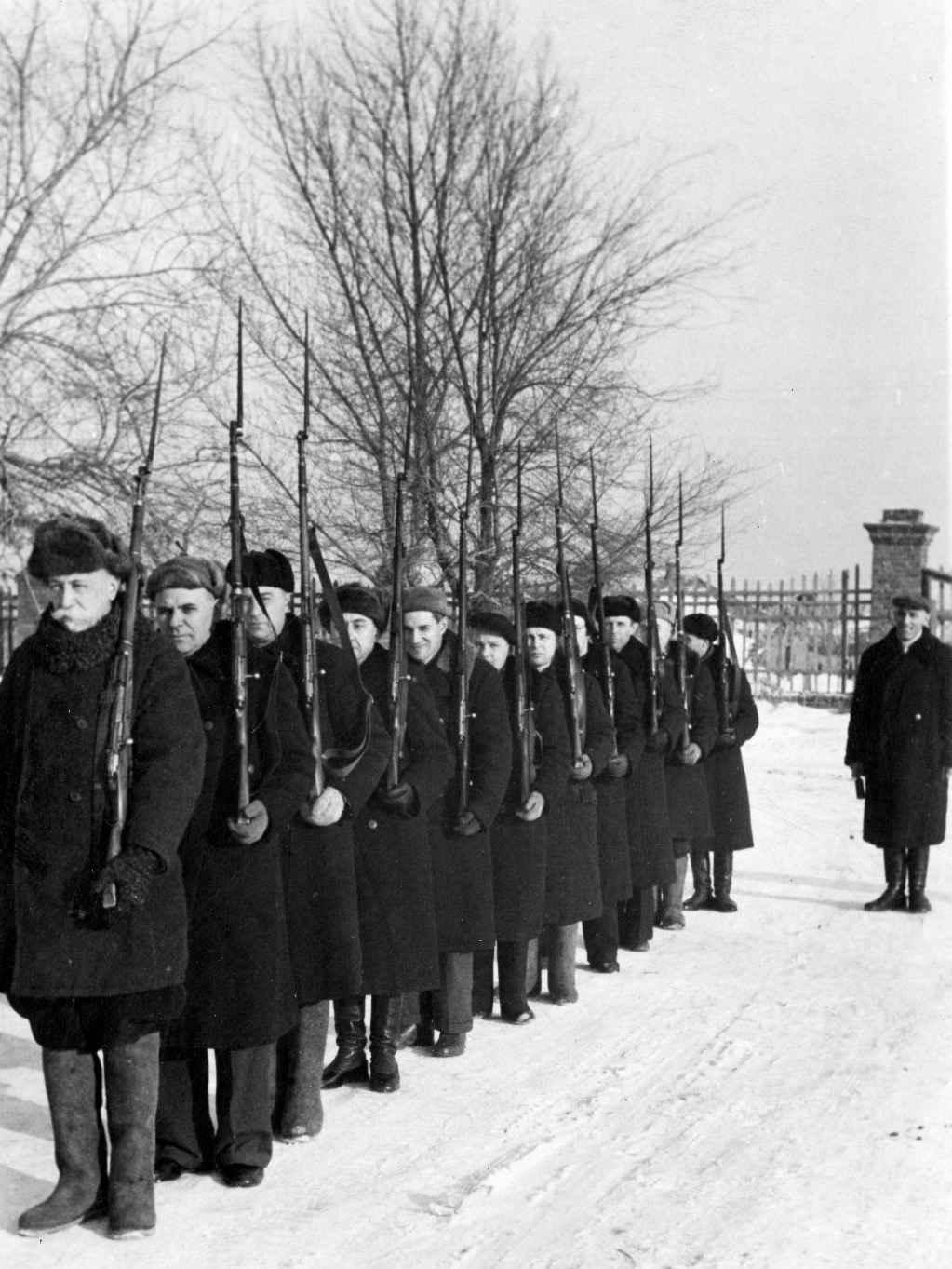 Преподаватели Саратовского автодорожного института в народном ополчении