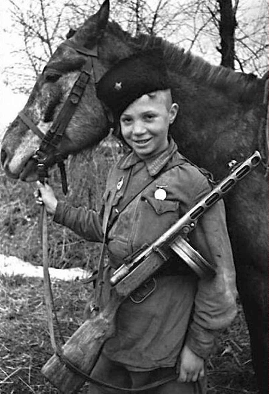 Юный разведчик-кавалерист