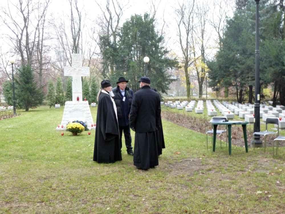 На кладбище в Гливице