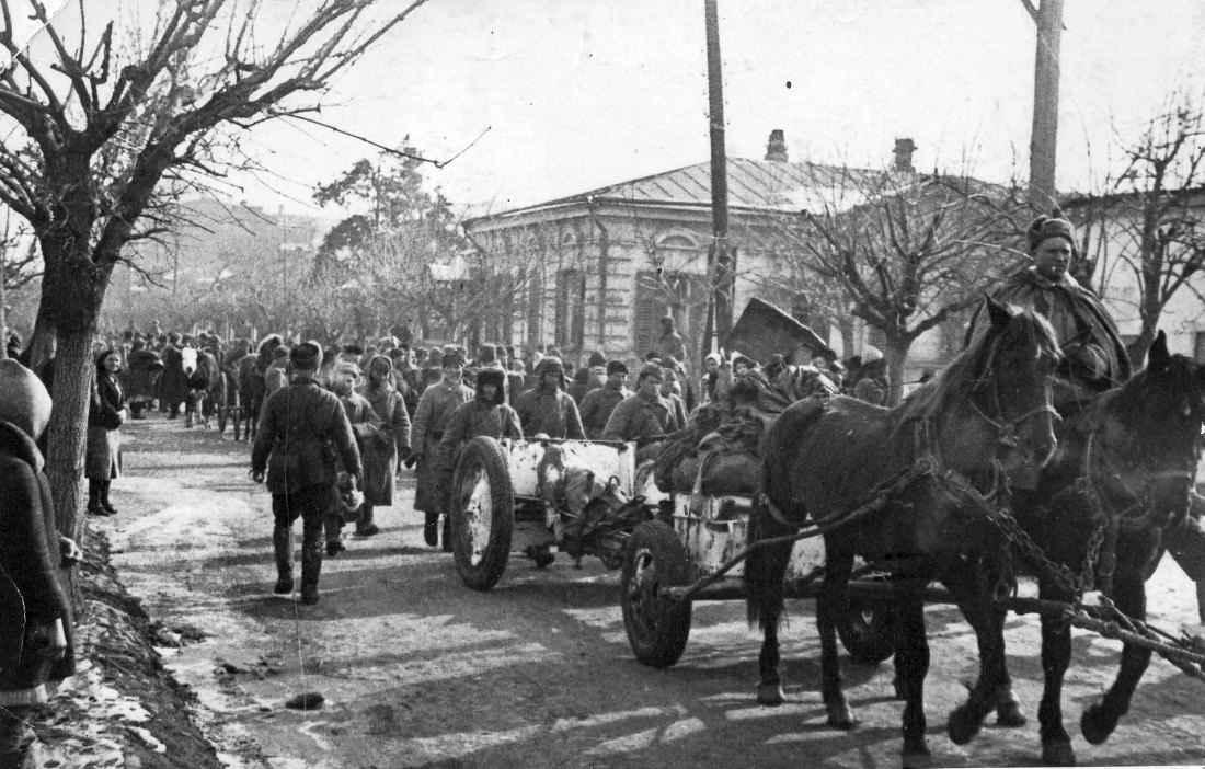 Красная Армия входит в освобожденный Краснодар