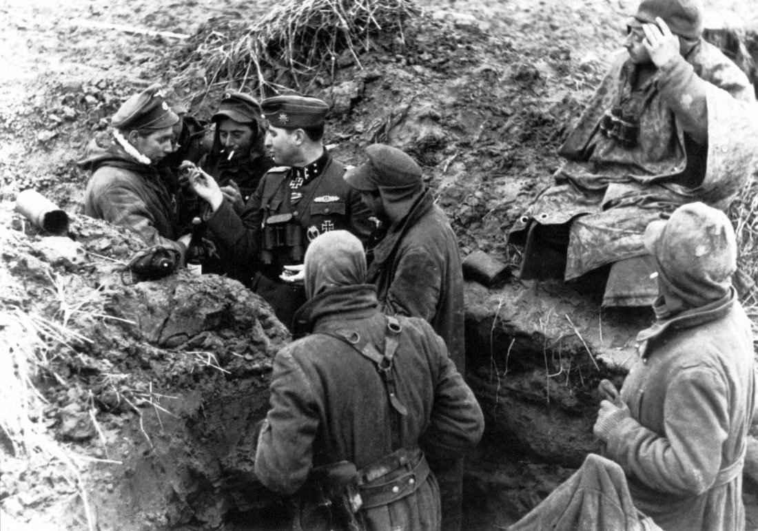 Солдаты 28-й добровольческой танково-гренадерской дивизии СС «Валлония»