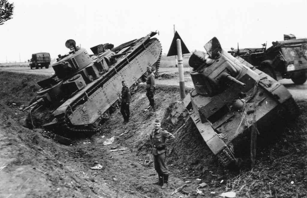 Советские танки, брошенные из-за неисправности