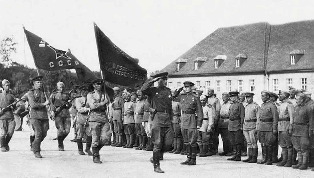 80-я гвардейская стрелковая дивизия на улицах взятой Вены