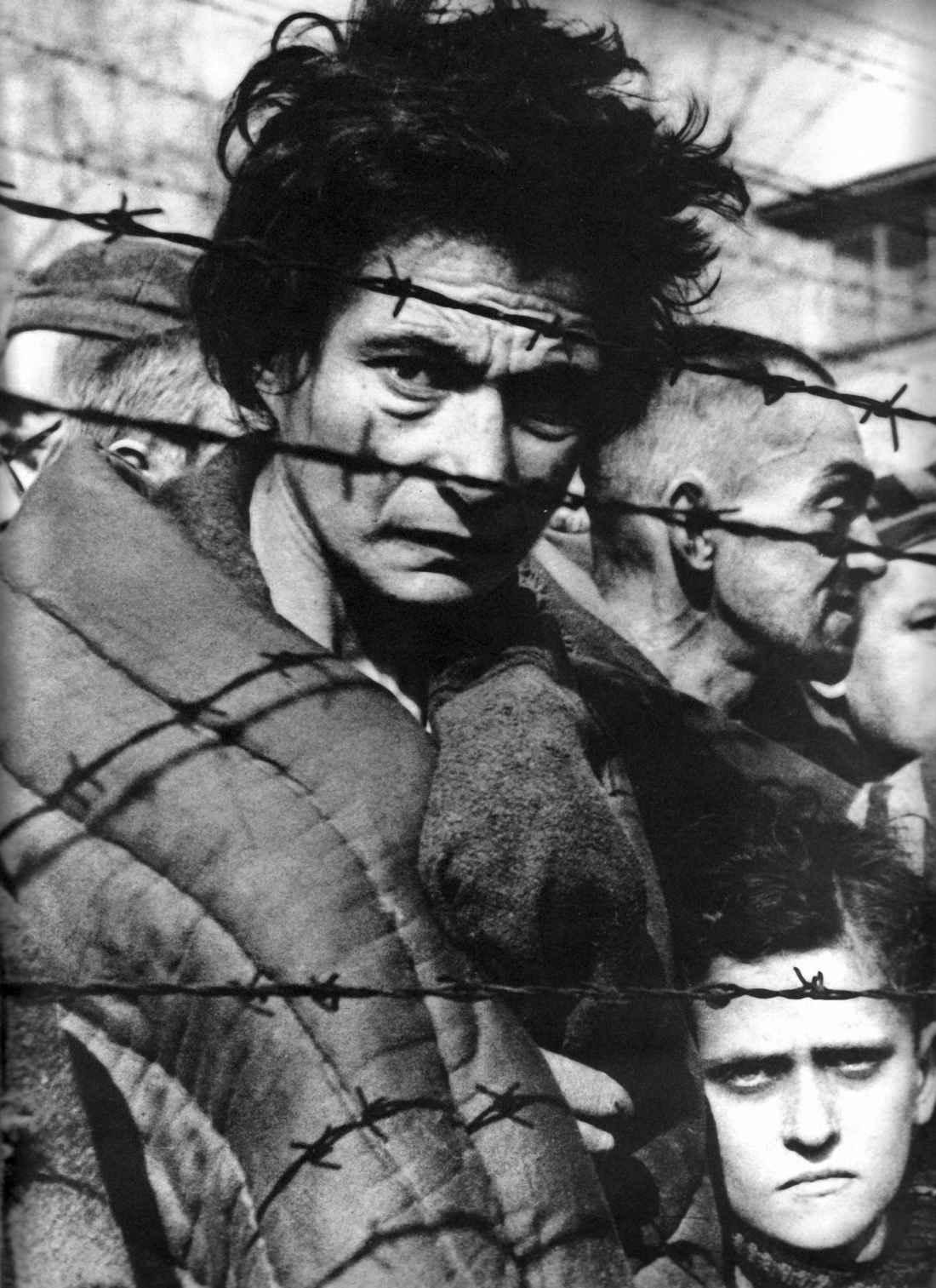 Узники концлагеря Освенцим