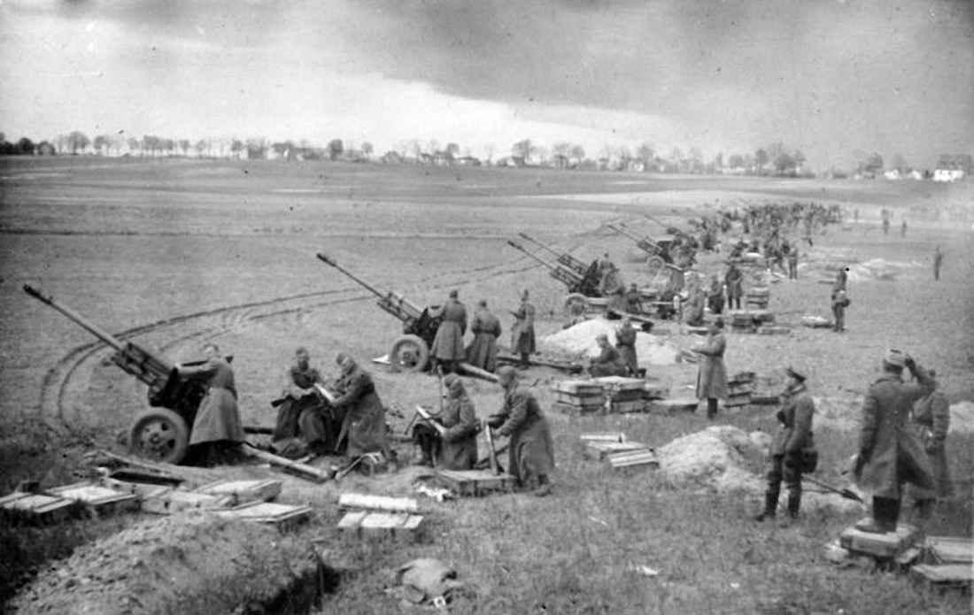 Советская артиллерия на подступах к Берлину
