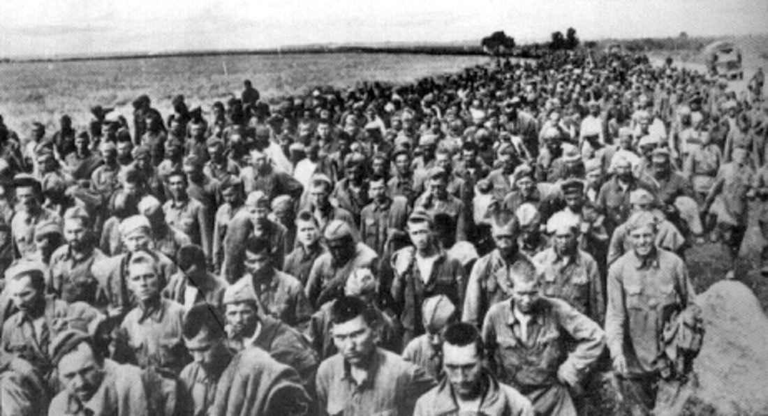 Район Харькова, пленные красноармейцы