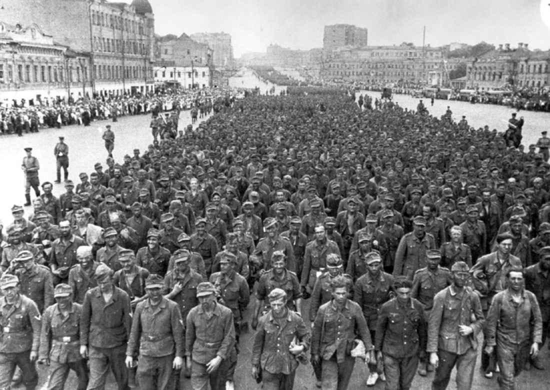 Марш пленных немецких в Москве