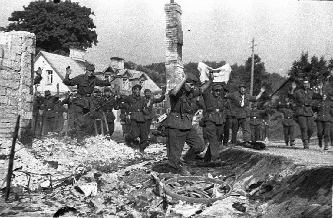 Вильнюс: немецкие солдаты сдаются в плен
