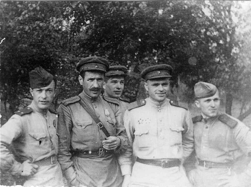 Советские офицеры в районе Сандомира